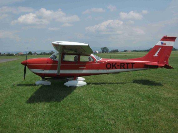 Cessna FR172 OK-RTT